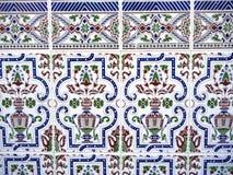 Keramische mit Ziegeln gedeckte Wand Stockfotos