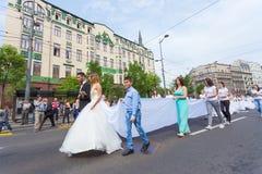 Traditionelle Kollektivhochzeitszeremonie in Belgrad Stockbild
