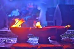 Traditionelle Lehmlampe, die im asiatischen Land benutzt wird Lizenzfreie Stockfotos