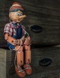 Traditionelle Marionetten gemacht vom Holz in der Weinleseart Lizenzfreie Stockbilder