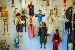 Traditionelle Marionetten gemacht vom Holz Shop in Prag Lizenzfreie Stockfotos