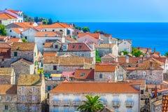 Traditionelle Mittelmeerarchitektur in Kroatien, Hvar-Stadt Stockfotos