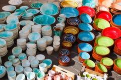 Traditionelle multi farbige Platten Stockfotos