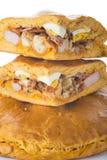 Traditionelle Nahrung für Ostern-Zeit in Spanien nannte hornazo, ein angefülltes Brot mit Schweinefleisch und Eier lizenzfreie stockfotografie