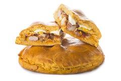 Traditionelle Nahrung für Ostern-Zeit in Spanien nannte hornazo, ein angefülltes Brot mit Schweinefleisch und Eier stockfotos