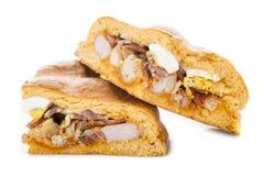 Traditionelle Nahrung für Ostern-Zeit in Spanien nannte hornazo, ein angefülltes Brot mit Schweinefleisch und Eier stockfoto