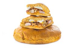 Traditionelle Nahrung für Ostern-Zeit in Spanien nannte hornazo, ein angefülltes Brot mit Schweinefleisch und Eier lizenzfreie stockbilder