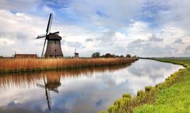 Traditionelle niederländische Windmühle Lizenzfreie Stockfotografie