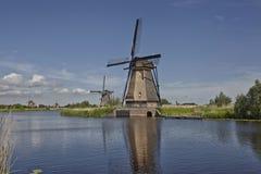 Traditionelle niederländische Windmühle in berühmtem Kinderdijk, die Niederlande Stockbilder