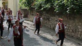 Traditionelle Parade von Alka-Spiel in Sinj stock video footage