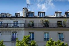 Traditionelle Paris-Dachspitze Lizenzfreie Stockfotos