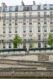 Traditionelle Pariser Architektur Lizenzfreie Stockfotografie