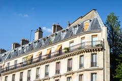 Traditionelle Pariser Architektur Lizenzfreie Stockbilder