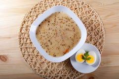 Traditionelle polnische Suppe Lizenzfreies Stockfoto