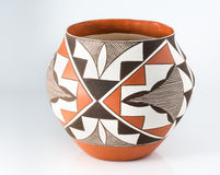 Traditionelle Pueblo-Tonwaren des amerikanischen Ureinwohners. Lizenzfreie Stockbilder