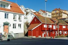 Traditionelle rote hölzerne Gebäude, Norwegen Stockbild
