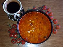 Traditionelle rumänische Nahrungsmittelbohnenschüssel lizenzfreies stockfoto