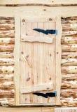 Traditionelle russische Holztür im Haus Stockfoto