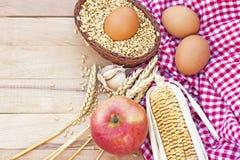 Traditionelle selbst gemachte gesunde Nahrung Stockbilder