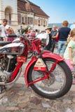 traditionelle Sitzung von Fans von Weinleseautos und -motorrädern Lizenzfreies Stockbild