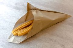 Traditionelle spanische Nachtisch churros stockfotografie