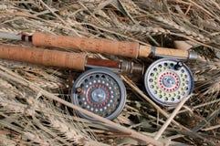 Traditionelle Spulen und Stangen des Fliegenfischens Stockbild