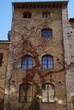 Traditionelle Stadtwohnung in San Gimignano lizenzfreies stockbild