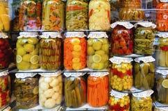 Traditionelle türkische Essiggurken von verschiedenen Obst und Gemüse von Lizenzfreies Stockfoto