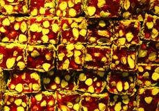 Traditionelle türkische Freude mit Nüssen Stockbilder
