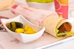 Traditionelle türkische Mahlzeit - heiße würzige Koteletts von c Stockfotos