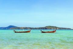 Traditionelle thailändische longtail Boote Lizenzfreie Stockbilder