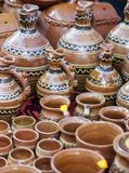 Traditionelle Tongefäße ausgesetzt einer Messe Lizenzfreie Stockbilder