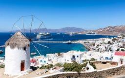 Traditionelle Windmühle auf Mykonos-Stadt, die Kykladen, Griechenland Lizenzfreie Stockbilder
