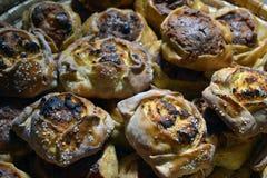 Traditionelle Zypriotostern-Käsegebäck flaounes Stockbilder