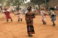 Traditioneller afrikanischer Tanz lizenzfreie stockfotografie