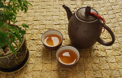 Traditioneller Chinese-Teekanneset Stockfotos