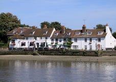 Traditioneller englischer Pub Lizenzfreie Stockbilder