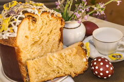 Traditioneller gebackener Ostern-Hauptkuchen Stockfotos