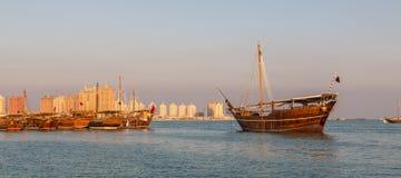 Traditioneller hölzerner Boote Katara-Strand Katars Dhow lizenzfreie stockbilder