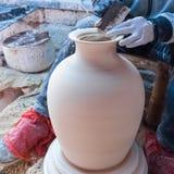 Traditioneller handgemachter Porzellanprozeß Stockfotografie