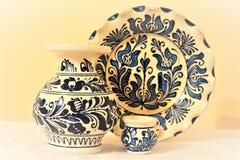 Traditioneller handgemachter Vase und Platte Lizenzfreie Stockfotos