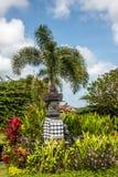 Traditioneller hindischer Balinesestraßen-Steinaltar Bali, Indonesien lizenzfreies stockfoto