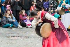 Traditioneller koreanischer weiblicher Vertreter und Tänzer stockbild