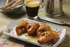 Traditioneller Kuchen Pestiños in der Karwoche Lizenzfreie Stockfotos