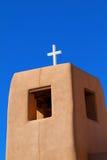 Traditioneller New Mexiko-Kirchturm Lizenzfreie Stockbilder