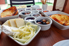 Traditioneller Rich Turkish Breakfast Lizenzfreies Stockfoto