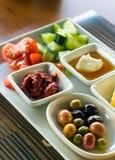 Traditioneller Rich Turkish Breakfast Lizenzfreie Stockfotos