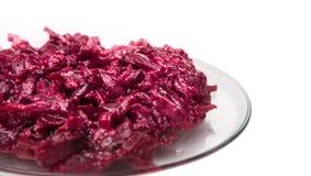 Traditioneller russischer Salat der roten Rübe, lokalisiert Lizenzfreie Stockfotografie