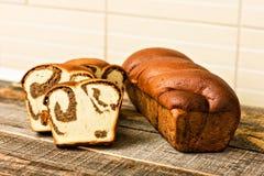Traditioneller Schwammkuchen für Ostern oder Weihnachten Lizenzfreie Stockfotos