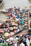 Traditioneller sich hin- und herbewegender Markt, Thailand. Lizenzfreie Stockbilder